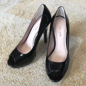 Pour La Victoire black peep toe heels